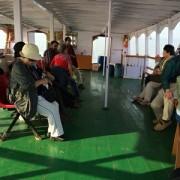 渡し船 - 船全体が船室。