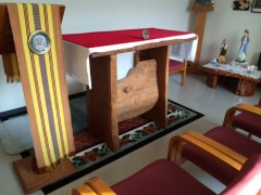 手作り祭壇。