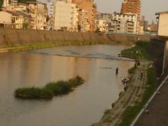 水量の増した甲突川。