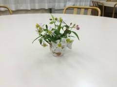 福山ME会場の食卓を飾った可憐な花たち。