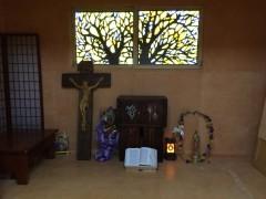 小さな聖堂はオンドル。外はマイナス5度。