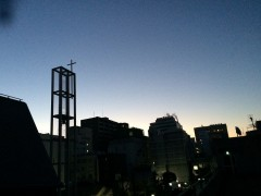 夜明け前の鐘楼
