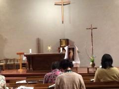 赦しの秘跡も進行中の24時間礼拝。