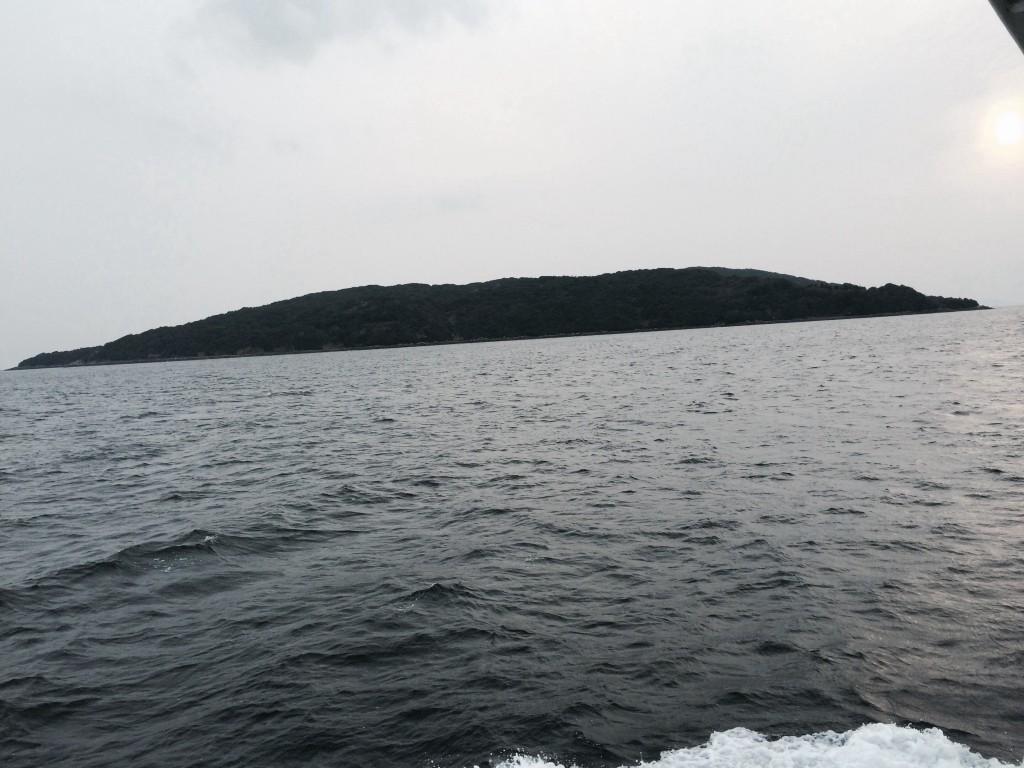 文字通り黒い島