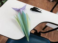 シニアクラスの作品。アヤメとツバメ。