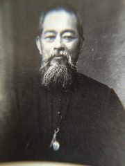 学校教育にも貢献された中村長八神父