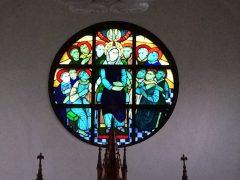 浄水通り教会正面のステンドグラス