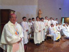 ウイジョンブ教区の李司教様と司祭団。