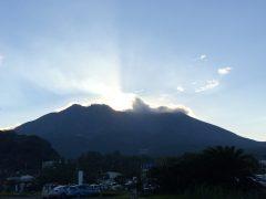 陽光が立ち上る姿にふとシナイ山を思わせた