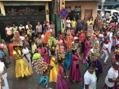 仏教徒たちのパレード
