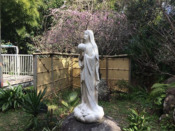 阿久根御摂理修道院裏庭の聖母