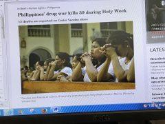 麻薬所持容疑で処刑された人々の家族たち
