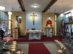 聖堂変じて入園式会場、これもアリか。