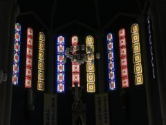 インチョン教区カテドラル正面のステンドグラス