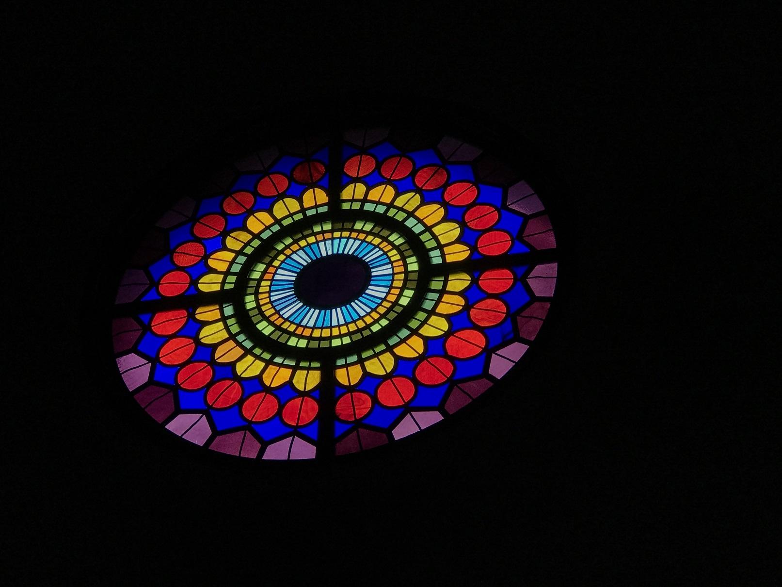 インチョン教区カテドラルのステンドグラス