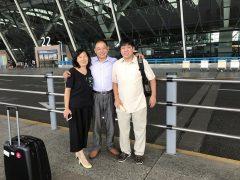 左中国のMEカップル右エドモンド神父さん