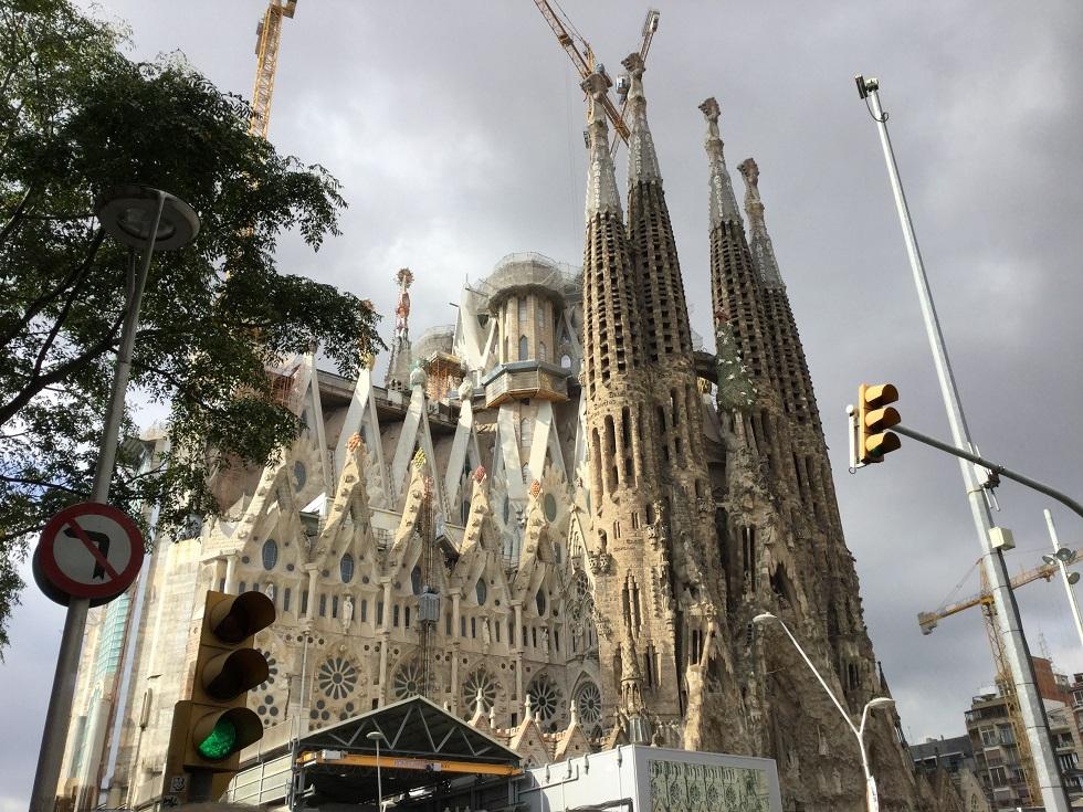 今なお建設中のサグラダ・ファミリア聖家族教会