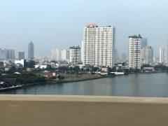 バンコク中心街中国の力がここかしこ