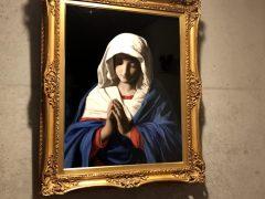 信者から寄贈を受けた自筆の聖母