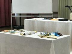 扇子と折り鶴、巻物、ウォールームDVD