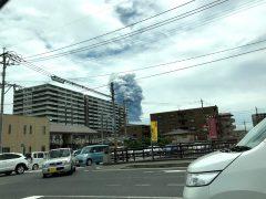 教会から帰る途中で大きな噴火が