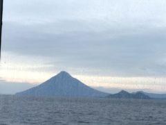 帰りの高速船からの薩摩富士開聞岳