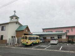 左は加世田教会、右はは落成間近な幼稚園