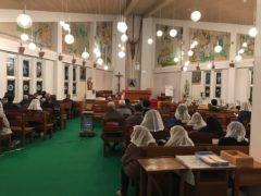 貝津教会内部