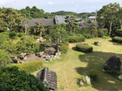 会館の裏庭は日本庭園