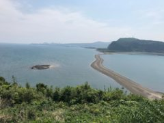 知林ヶ島展望台からの眺望。手前は魚見岳。