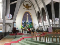 カテドラルの祭壇周辺